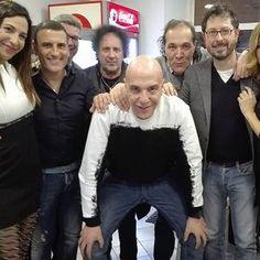 Dopo la lettera aperta pubblicata su Facebook dal direttore di Radio Marte, da ieri Gianni Simioli è tornato a condurre La Radiazza. #news #radio