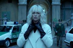 Charlize Theron begeistert mit ihren Outfits in dem 80er Jahre Agententhriller Atomic Blonde