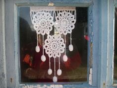 Doily curtains. ♥