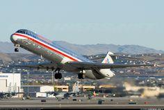 McDonnell Douglas MD-82 (DC-9-82) aircraft picture