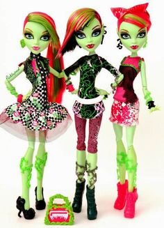 Monster High… love Venus McFlytrap!:)                                                                                                                                                      Más