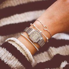 """a3af7c9b3c8 Laços de Filó Acessórios on Instagram  """"✶ Nossas pulseiras delicadas para  combinar com o Casio Vintage Mini! ✶ INSTA SHOP  link na bio  lacosdefilo"""""""