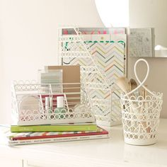 """Wire Scallop Desk Accessories 