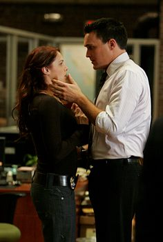 Grace Van Pelt (Amanda Righetti) and Wayne Rigsby (Owain Yeoman) from the Mentalist Patrick Jane, The Mentalist, Van Pelt Mentalist, Simon Baker, Movies Showing, Movies And Tv Shows, Series Movies, Tv Series, Owain Yeoman