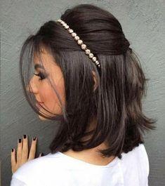 15 penteados de festa para cabelos curto. Com tiara em cabelo liso