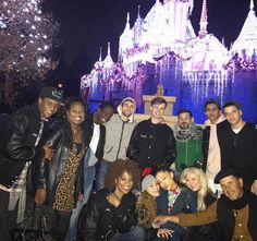 agrande-news:Ariana with family and friends at Disneyland in. Ariana Tour, Ariana Grande Fotos, Hairspray Live, Dangerous Woman, My Everything, Dream Life, My Idol, Disneyland, Cute Pictures
