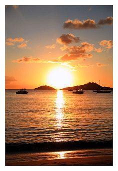 Le soleil se couche à Malendure en Guadeloupe