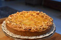 Appel, ananas en amandel taart ( Appel- Pineappel en almonds cake)
