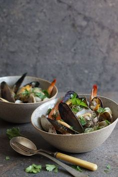 Mussels, Clams and Shrimps in a Fragrant Broth with Kelp Noodles {AIP, GAPS, SCD, Paleo} – Healing Family Eats
