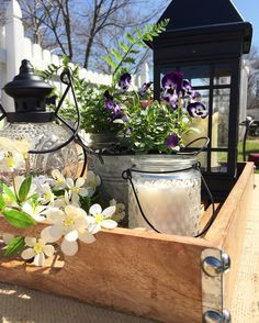 Wooden tray vignette for outdoor decor!