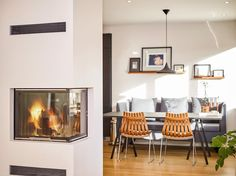 We want that fireplace  Wish you all a great weekend and thanks to Line Selnes @suuperselen for the picture  @matsholst