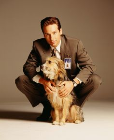 David Duchovny with his dog Blue. No need to look at the X-files to find why he loves this pooch so much David Duchovny, The X Files, Gillian Anderson, Airsoft, David And Gillian, Chris Carter, Dana Scully, Raining Men, Crazy Girls
