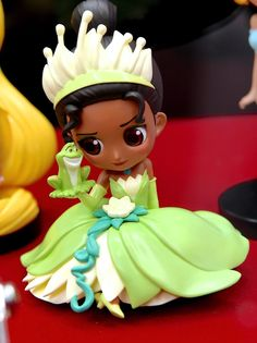 Banpresto Q Posket Disney Characters Petit Vol 1 The Princess and the Frog Tiana Fimo Disney, Polymer Clay Disney, Polymer Clay Figures, Polymer Clay Dolls, Fondant Figures, Disney Dolls, Princesa Tiana, Clay Projects, Clay Crafts
