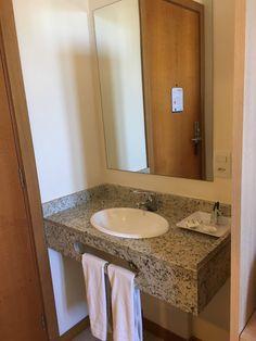 Home Stairs Design, Home Design Plans, Bathroom Floor Plans, Bathroom Flooring, Bathroom Design Small, Modern Bathroom, Kitchen Designs Photos, Design Your Dream House, Loft House
