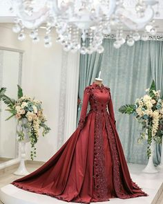 Muslim Wedding Gown, Muslimah Wedding Dress, Wedding Gowns, Couture Dresses, Bridal Dresses, Prom Dresses, Indian Designer Outfits, Designer Dresses, Moda Medieval