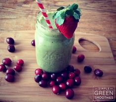 Healing Cranberry Cleanser - This green smoothie recipe is a great vitamin C booster and packed with antioxidants to keep you energized and healthy.