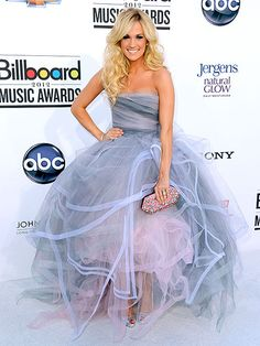 I WANT THIS DRESS SO BAD  Style Standouts at the Billboard Music Awards