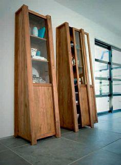Libreria con scorrimento Tavolo elegante e minimale.