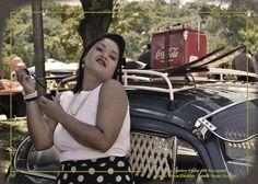 Ensaio fotográfico PinUp cenário: 8º Encontro Carros Antigos de Guarulhos local: Bosque Maia - Guarulhos foto: Marina Pinto/MP fotografia make: Erica Cardial/Canal Nega Sou Eu produção: Célia Thomé e Meri P. modelo: Janaína Reis