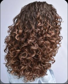 Dyed Curly Hair, Colored Curly Hair, Curly Hair Tips, Short Curly Hair, Wavy Hair, Highlights Curly Hair, Natural Hair Styles, Short Hair Styles, How To Make Hair