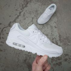 Footish If you're into sneakers (footish) på Pinterest