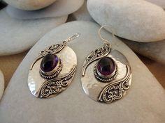 Silver Earrings With Pearls Diy Jewelry Rings, Jewelry Art, Antique Jewelry, Jewelry Design, Metal Clay Jewelry, Stone Jewelry, Artisan Jewelry, Handmade Jewelry, Bracelet Fil
