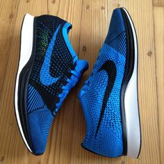 outlet store 79ecf a30ee NIKE FLYKNIT RACER PHOTO BLUE BLACK WHITE 526628 001