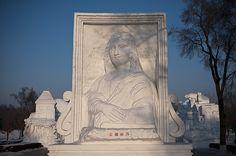 Mona Lisa Snow Sculpture. Amazing!