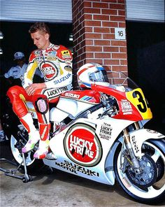 Kevin Schwantz Suzuki rgv I love all the cigarette logos on the bike. I miss the camel bike and the Marlboro red. Motorcycle Suit, Motorcycle Racers, Suzuki Motorcycle, Moto Bike, Racing Motorcycles, Vintage Motorcycles, Vintage Motocross, Vintage Racing, Valentino Rossi