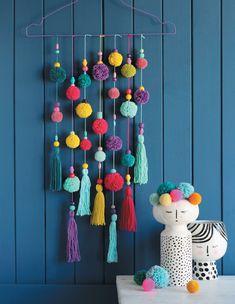 Diy Crafts For Girls, Diy Crafts For Home Decor, Diy Arts And Crafts, Craft Stick Crafts, Pom Pom Crafts, Yarn Crafts, Paper Crafts, Dream Catcher Decor, Craft Room Decor