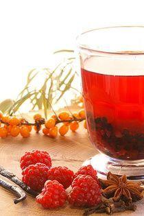 Babiččin sváteční pečený čaj Alcoholic Drinks, Cocktails, Home Canning, Korn, Raspberry, Food And Drink, Tea, Fruit, Glass