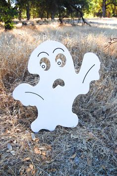 Halloween Shopaholic: Wood Signs for Halloween from Ivy's Creations