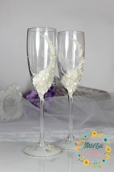 Ivory Wedding champagne glasses-Gentle Wedding toasting por ArtsLux
