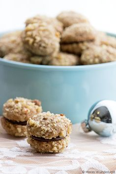 Walnuss-Espresso-Plätzchen Christmas Cookies, Christmas Sweets, Christmas Baking, Christmas Recipes, Biscuit Cookies, Petits Biscuits, Biscuit Recipe, Cake Cookies, Christmas Cheesecake