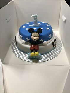 Mickey Mouse Torte Mini Donuts, Push Up Cake, Cake Pops, Cupcakes, Mickey Mouse, Desserts, Food, Pies, Mini Doughnuts