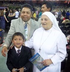 A high ranking nun from Vatican City visited her fleshly sister (a JW) in Florida in 2011. Since they were having the District Convention at the time, the visitor from Vatican City decided to accompany all three days. In the photo you can see that the friends were able to acquire a WT in Italian for her.  http://MinistryIdeaz.com