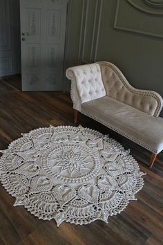 Crochet Doily Rug, Crochet Rug Patterns, Crochet Carpet, Crochet Mandala Pattern, Crochet Home, Mandala Rug, Knit Rug, Crochet Flower Tutorial, Patterned Carpet