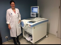 Über 700 Tests erfolgreich durchgeführt!   An der Kinderklinik am AKH Wien, wird seit zwei Jahren mit dem Pea Pod gearbeitet. Während dieser Zeit konnten bereits über 700 Tests durchgeführt werden. Frau Dr. Kornsteiner-Krenn (Foto), im Team von Prof. Haiden, betreut das System und ist für die Messungen vor Ort verantwortlich.