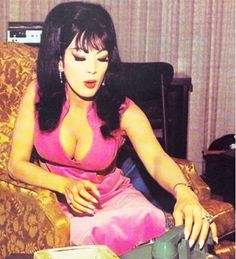 Tura Satana was a Japanese American actress, vedette and exotic dancer. Astro Zombies, Cat Eyeliner, Star Wars, Japanese American, Japanese Art, Musa, Iconic Women, Before Us, Big Hair