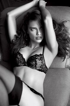 Adriana Lima In Sexy Black Lingerie. #victoriasecret #lingerie #lace #vsangel #angels - rossdujour.com