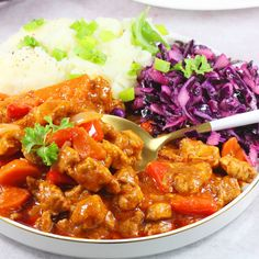 Gulasz wieprzowy | AniaGotuje.pl Pork Stew, Goulash, Meat Recipes, Main Dishes, Curry, Soup, Beef, Cooking, Ethnic Recipes