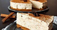 Luumukakku, joka maistuu aivan joululta mutta ei ole kuitenkaan liian makea. Ohje perustuu Floran luumukakku-ohjeeseen, jota maustoin h...