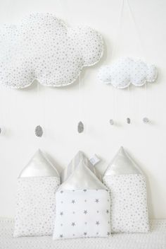 Cloud and House Softies Baby Mobile, Kids Pillows, Kid Spaces, Baby Sewing, Kids Decor, Softies, Handmade Toys, Diy For Kids, Kids Bedroom