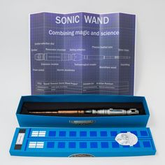 When Doctor Who meets Harry Potter: DIY Sonic Wand & TARDIS box<<<< I NEED THIS NOW ASDFGHJKL ALZNKALamVLEOQNF
