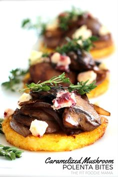 Crispy baked polenta rounds topped with caramelized onions and mushrooms sauteed with cabernet, white stilton cranberry cheese and garnished with thyme. Gluten free, vegetarian with vegan option. Vegan Appetizers, Appetizers For Party, Appetizer Recipes, Polenta Appetizer, Crispy Polenta, Baked Polenta, Caramelized Onions And Mushrooms, Stuffed Mushrooms, Polenta Rounds Recipe