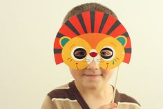 Cute, cute, cute! Lots of easy, printable masks. For Halloween, or to decorate a child's bedroom!