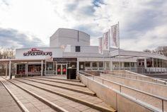Ondermaar Theater de Stoep (Spijkenisse), Chassé Theater (Breda), De Goudse Schouwburg (Gouda), DeLaMar Theater (Amsterdam) en Parktheater (Eindhoven) zijn genomineerd voor de VVTP Theater van het Jaar Prijs 2016. Sinds 2000 kiest de VVTP telkens een zaal, die het meest functioneel is, waarbij de acteurs het beste zijn en waarvan de website het beste is. De zaal, die deze prijs wint, ontvangt een speciale stoel. Na een jaar geeft het deze door aan de volgende winnaar.