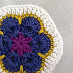 Tutorial: GrannySquare African Flower and Invisible Knot