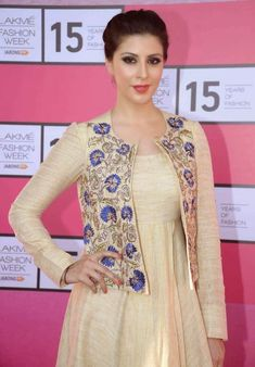 Latest Kurti With Jackets Design - The handmade craft Pakistani Dresses, Indian Dresses, Indian Outfits, Indian Frocks, Kurti Neck Designs, Blouse Designs, Lakme Fashion Week 2015, Kurti With Jacket, Red Lehenga
