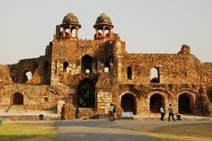 'Humayun Gate' at the Old Fort, #Delhi Weather In India, Backpacking India, India Culture, Old Fort, Visit India, India Tour, Places Of Interest, India Travel, Capital City